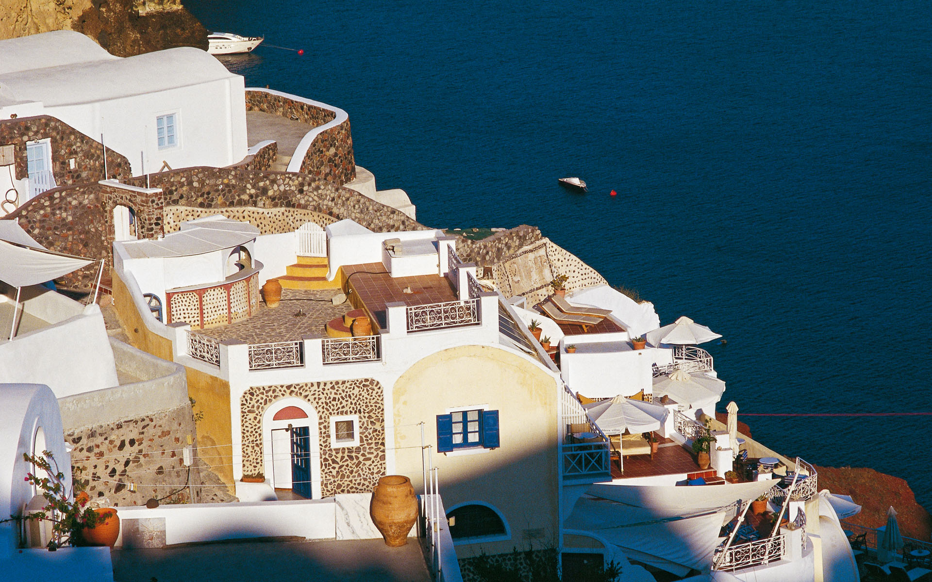 Oia-Miles-Away-Travel-01