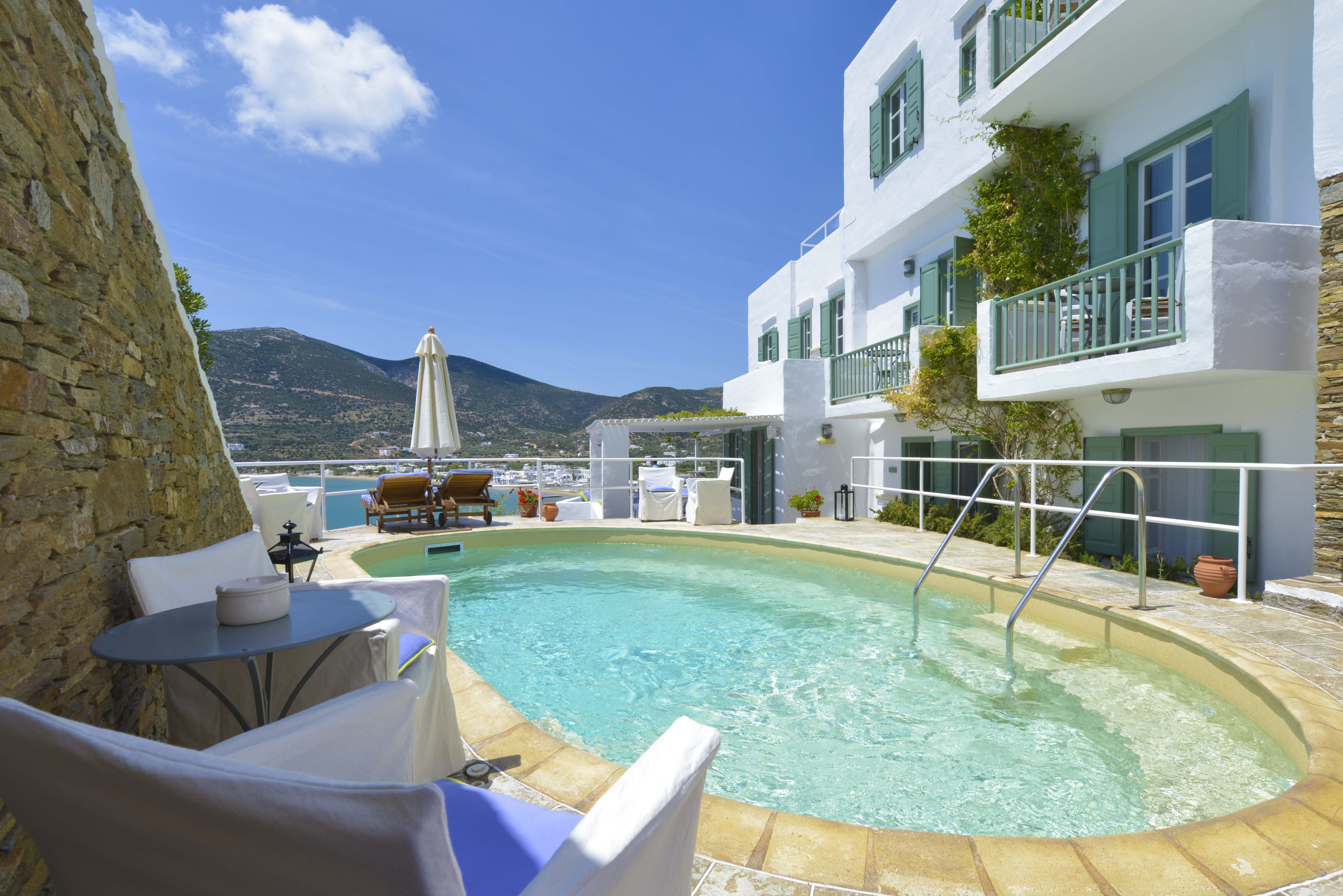 niriedes-hotel-sifnos-miles-away-travel-4