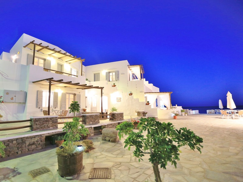 Ammos-Sifnos-Village-Miles-Away-Travel