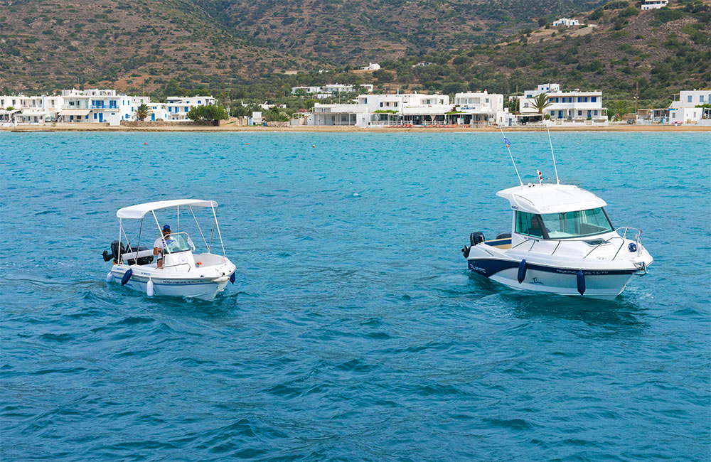 rent-a-boat-sifnos-miles-away-travel-03